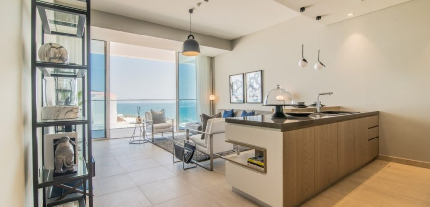 1BR with Palm view