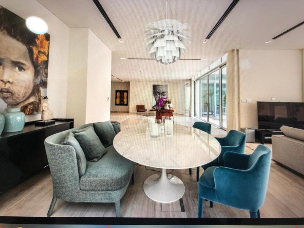 Mansion For Sale In Dubai |Top Line Real Estate